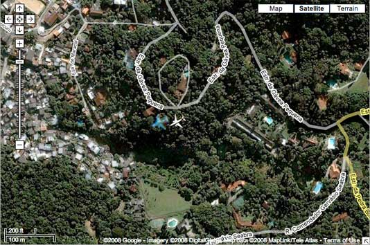 Google Map Satellite Image Shows Commercial Jet Flying Over ... on google maps cebu city, google maps ho chi minh city, google earth maps street view bloopers, google maps cape of good hope, google maps algiers, google maps florence, google maps kilimanjaro, google maps kuwait city, google maps ocho rios, google maps haifa, google maps pensacola, google maps norfolk, google maps busan, google maps strasbourg, google maps mombasa, google maps mazatlan mexico, google maps mandaluyong, google maps johannesburg, google maps hong kong island, google maps prince william sound,