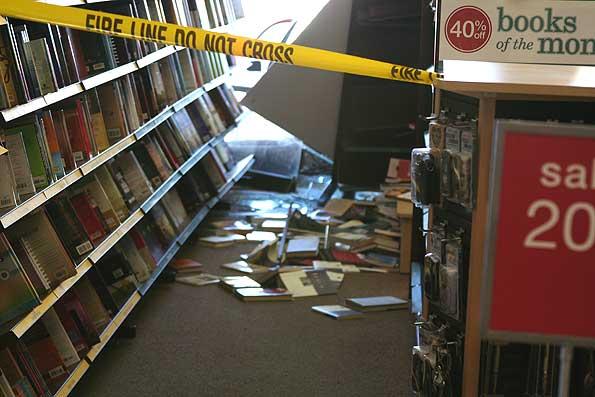 bookscrashedbycar20090304