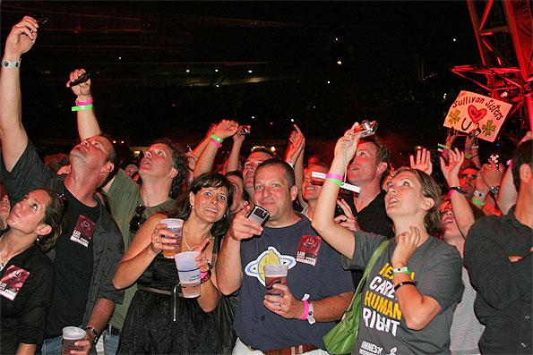 Bono-crowd