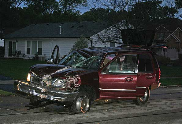 Ford-Expedition-Wrecked