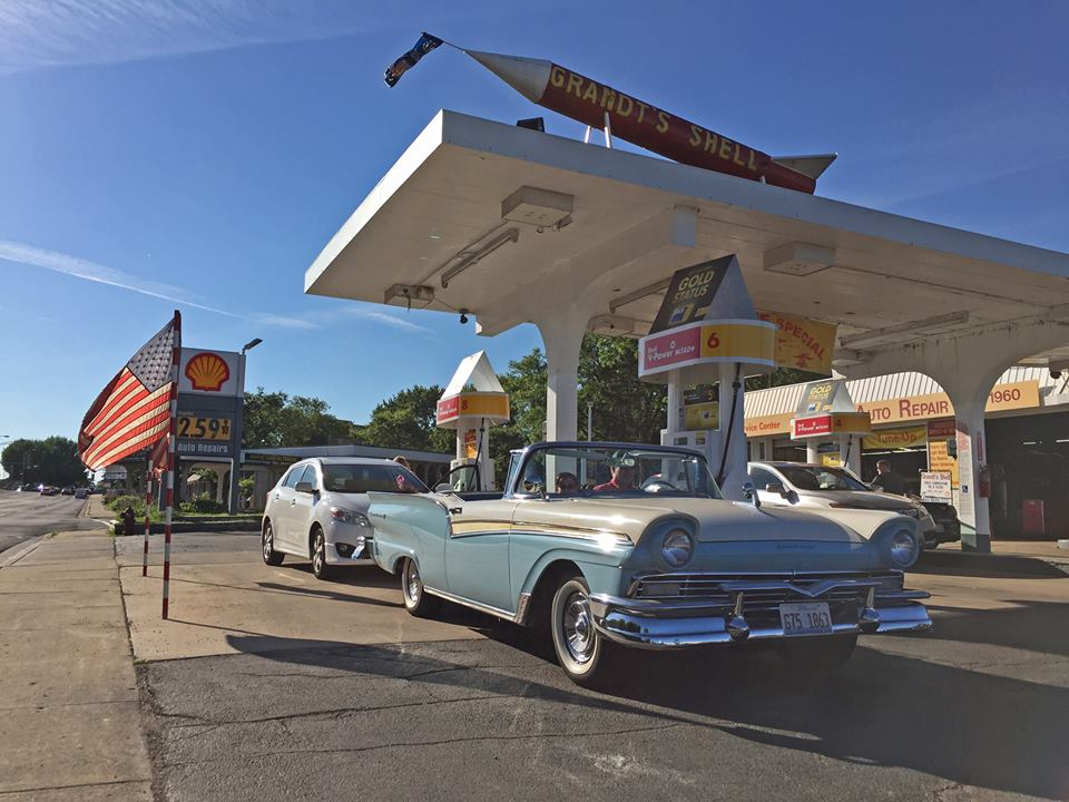 Grandt's Shell Rocket Arlington Heights