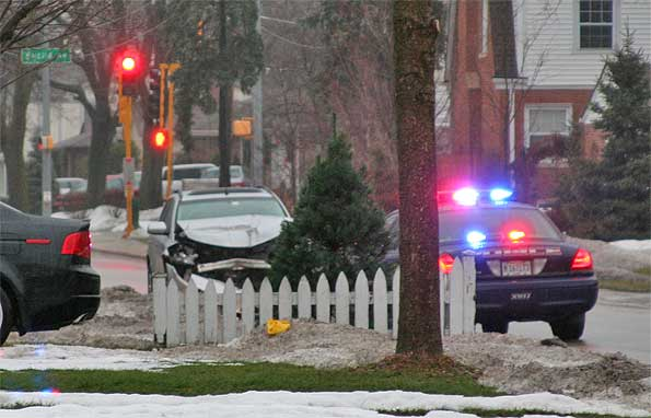 arlington heights police on patrol find totaled murano on dryden sunday morning the cardinal. Black Bedroom Furniture Sets. Home Design Ideas