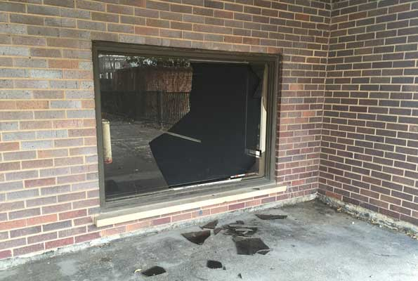 Criminal damage to commercial property in Arlington Heights, Illnois