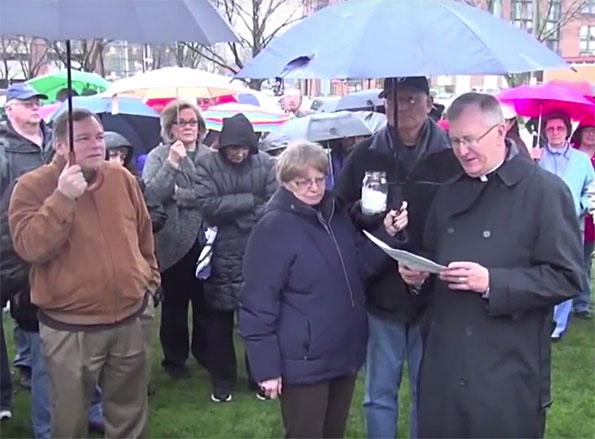 Rob Sherman atheist at nativity scene.
