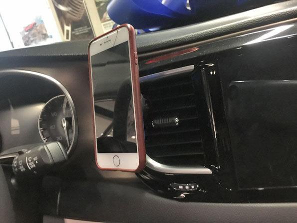 Phone cradle at Napleton Chrysler Dodge Jeep Ram