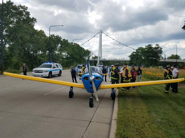 CFD media Plane Landing Lake Shore Drive