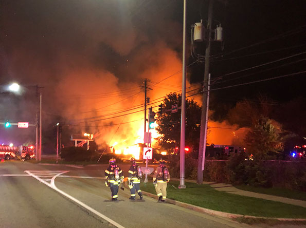 Hackneys Fire in Lake Zurich, Illinois