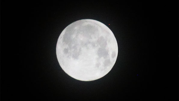 Snow Moon SuperMoon 0530 CST February 19, 2019 thin veil clouds