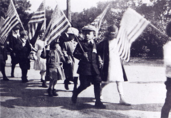 Children with US flags
