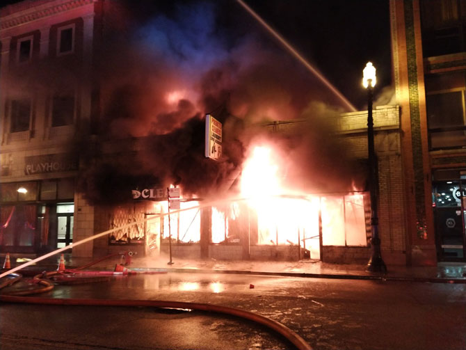 Fire at Pronto Cleaners and Lax Energy Worx on Michigan Avenue, Chicago (Chicago Fire Media).
