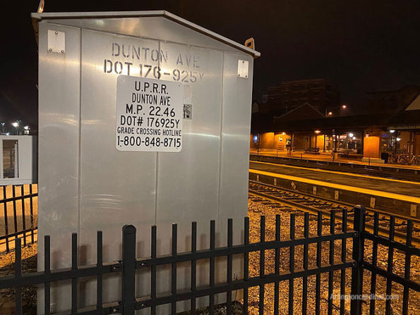 Dunton Avenue crossing with toll free number and DOT number