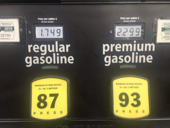 Gas prices at Costco in Mettawa, Illinois in Lake County