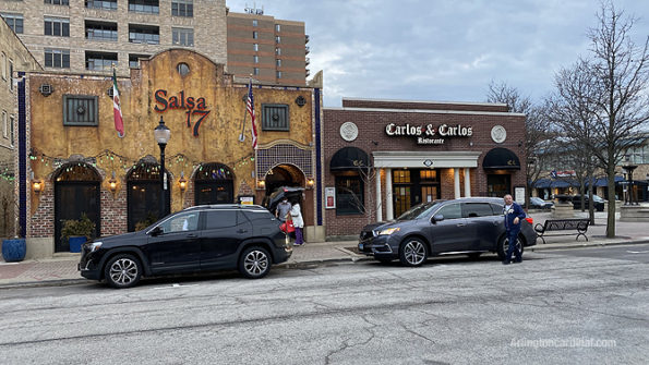 Carlos & Carlos curbside pickup in Arlington Heights
