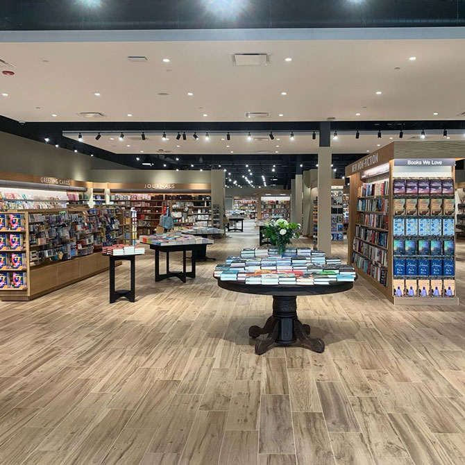 Barnes & Noble grand opening in Schaumburg, June 2020