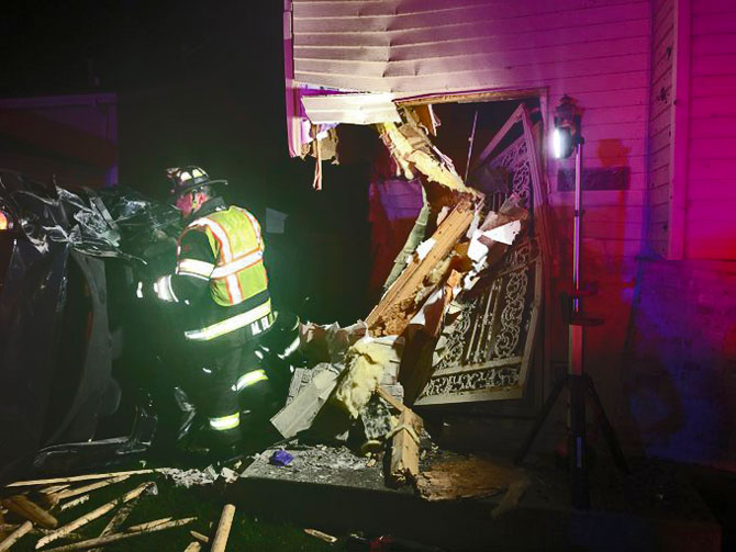 Driver of stolen vehicle from Kenosha crashed into a house in Beach Park, Illinois
