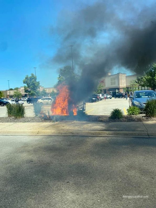 Kia Soul fire in parking lot near Harvest Fresh Market, Arlington Heights