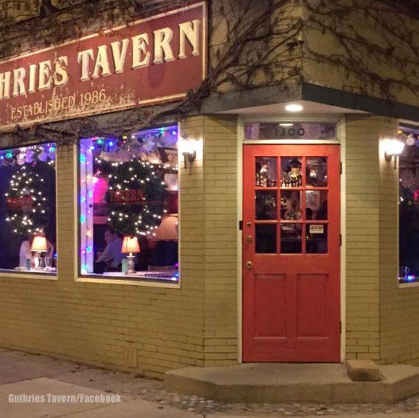 Guthries Tavern in Chicago