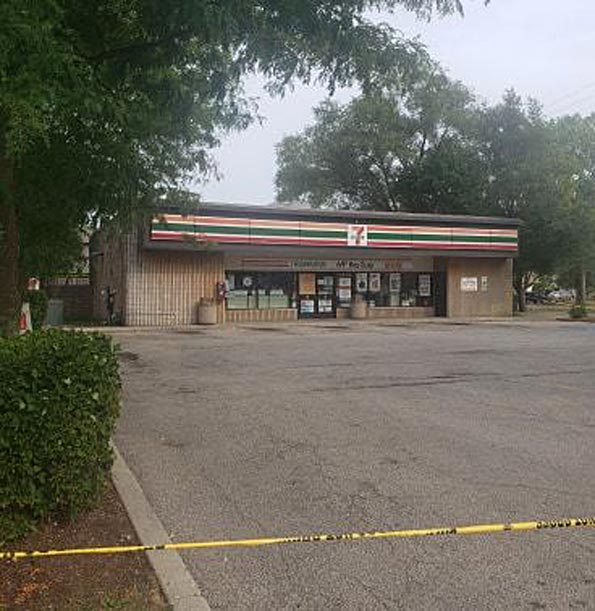 Prospect Heights 7-Eleven robbery with store clerk shot Monday August 31, 2020