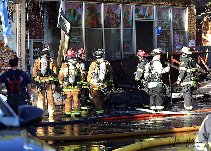 Regrouping at strip mall fire in Mundelein Wednesday, September 2, 2020