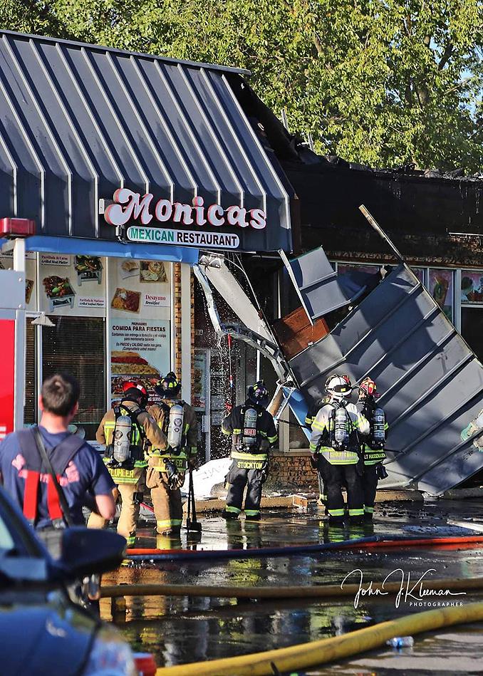 Roof hazard at strip mall fire in Mundelein Wednesday, September 2, 2020