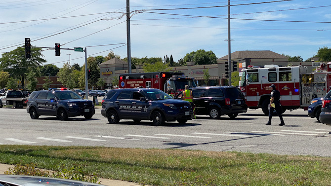 Crash involving two minivans at Arlington Heights Road and Rand Road
