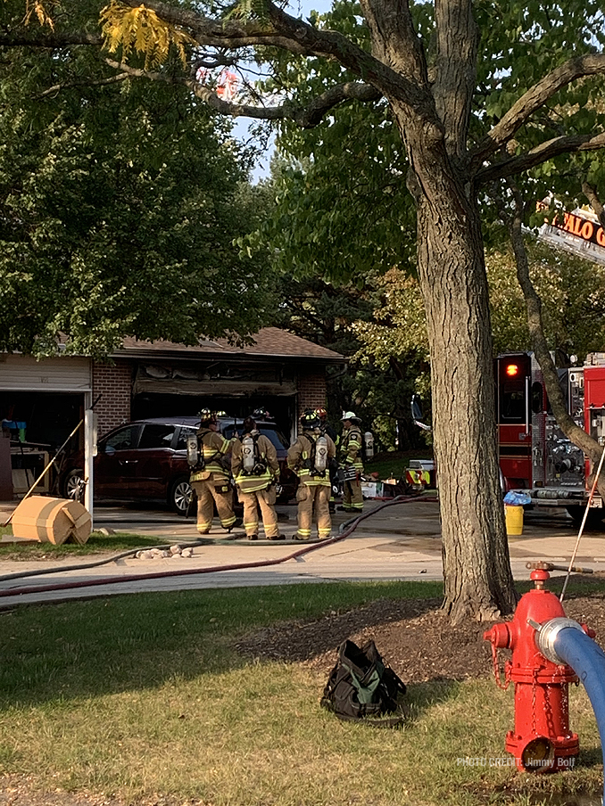 Attached garage fire on Pine Tree Circle North in Buffalo Grove (PHOTO CREDIT: Jimmy Bolf)