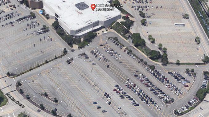 Neiman Marcus at Northbrook Court Google satellite view