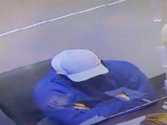 Jewelry store Robbery suspect at Rolland's Libertyville, Friday, October 30, 2020 (SOURCE: Libertyvlile Police Department)