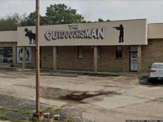 Outdoorsman gun store, Winthrop Harbor (Image capture September 2019 ©2020 Google)