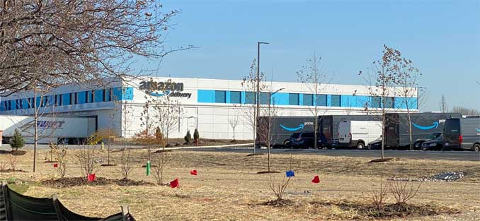 Amazon Delivery Station Arlington Heights (DLN3) at 1455 West Shure Drive on November 6, 2020