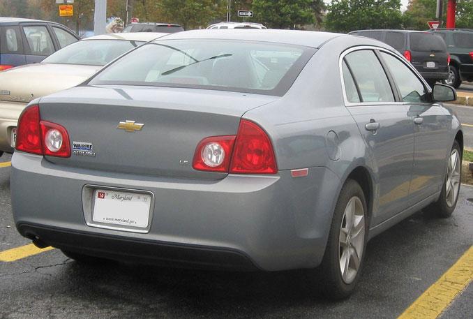 Body Style 2008-2010 Chevrolet Malibu rear view (IFCAR, Public domain, via Wikimedia Commons)
