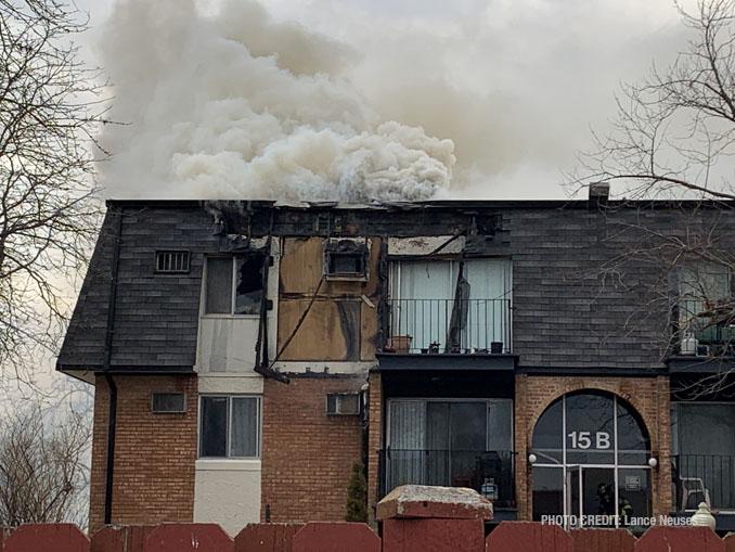 Smoke pushing out at 15 B Dundee Quarter in Palatine (PHOTO CREDIT: Lance Neuses)