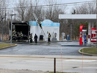 Fire at car wash at Bucky's Mobil at the southwest corner of Quentin Road and Dundee Road in Palatine
