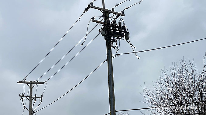 ComEd repair for power line down on Dunton Avenue between Euclid Avenue and Hawthorne Street in Arlington Heights