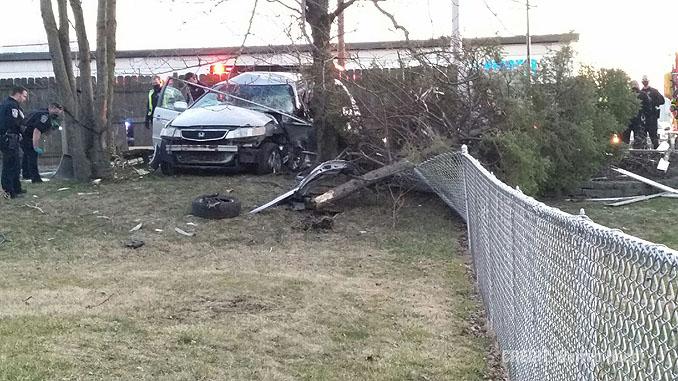 Fatal crash on Algonquin Road west of Kennicott Avenue in Arlington Heights (PHOTO CREDIT: Warren Hecht)