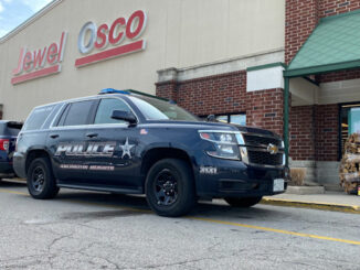 Arlington Heights police on scene of a robbery investigation at the TCF bank at Jewel-Osco, 1860 S. Arlington Heights Road