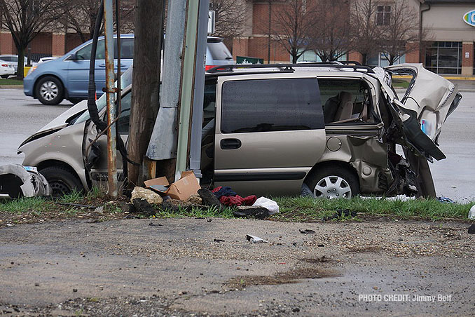 Minivan involved in fatal crash at Route 12 and Deer Park Boulevard in Deer Park (SOURCE: Jimmy Bolf)