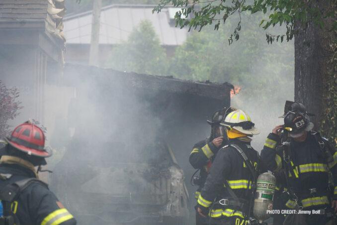 House fire on Milton Avenue, Park Ridge (PHOTO CREDIT: Jimmy Bolf)