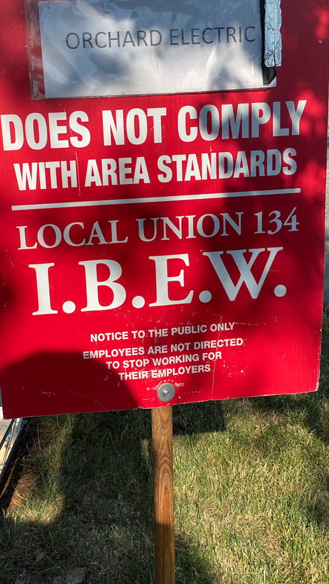 Local Union 134 I.B.E.W. picket sign near Arlington Heights Road and Lillian Avenue in Arlington Heights