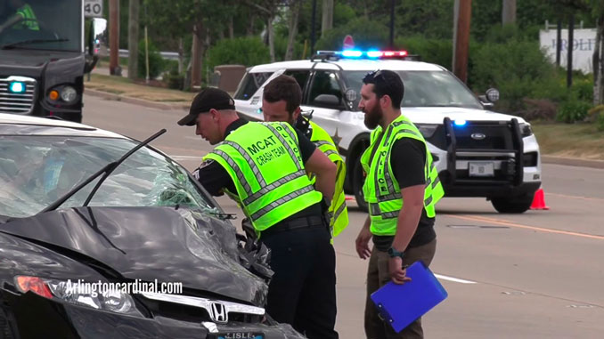 MCAT investigators at fatal crash on Milwaukee Avenue between River Road and Sanders Road near Prospect Heights and unincorporated Northbrook