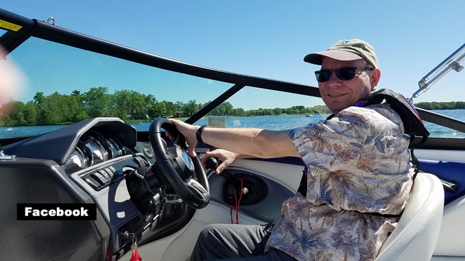 Ray Jezierski at the helm of his Formula 280 Bowrider (SOURCE: Facebook)
