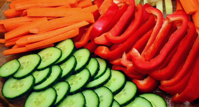 """Carrots, red peppers and cucumbers (SOURCE: <a href=""""https://pixabay.com/users/congerdesign-509903/?utm_source=link-attribution&utm_medium=referral&utm_campaign=image&utm_content=2135733"""">congerdesign</a> from <a href=""""https://pixabay.com/?utm_source=link-attribution&utm_medium=referral&utm_campaign=image&utm_content=2135733"""">Pixabay</a>)"""