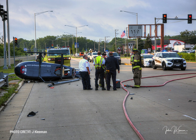 Helicopter crash scene photos close to northbound lanes of Milwaukee Avenue at Apple Drive in Prospect Heights (PHOTO CREDIT: J Kleeman)