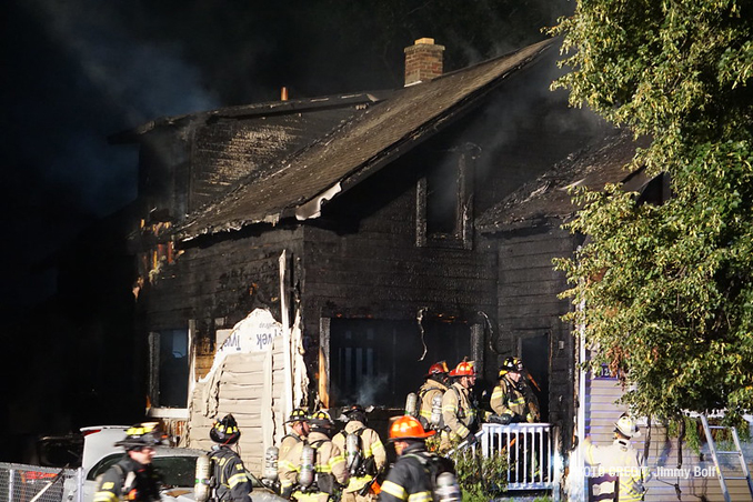 Libertyville fatal fire scene Friday morning, Augusts 13, 2021 (PHOTO CREDIT: Jimmy Bolf).