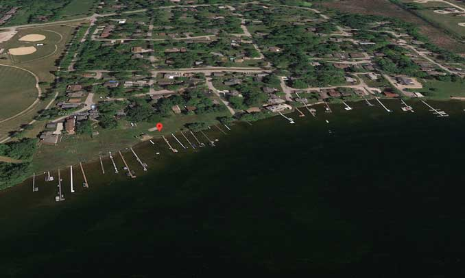 Bangs Lake near Elmwood Avenue in Wauconda Township (Imagery ©2021 Google, Imagery ©2021 Maxar Technologies, U.S. Geological Survey, USDA Farm Service Agency, Map data ©2021)